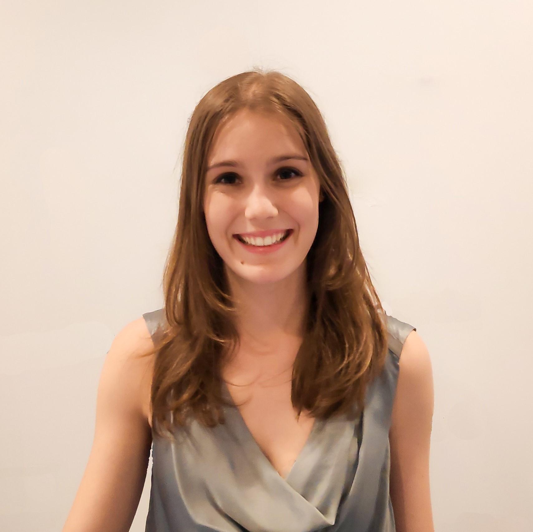 Laura Bernal - Comercial