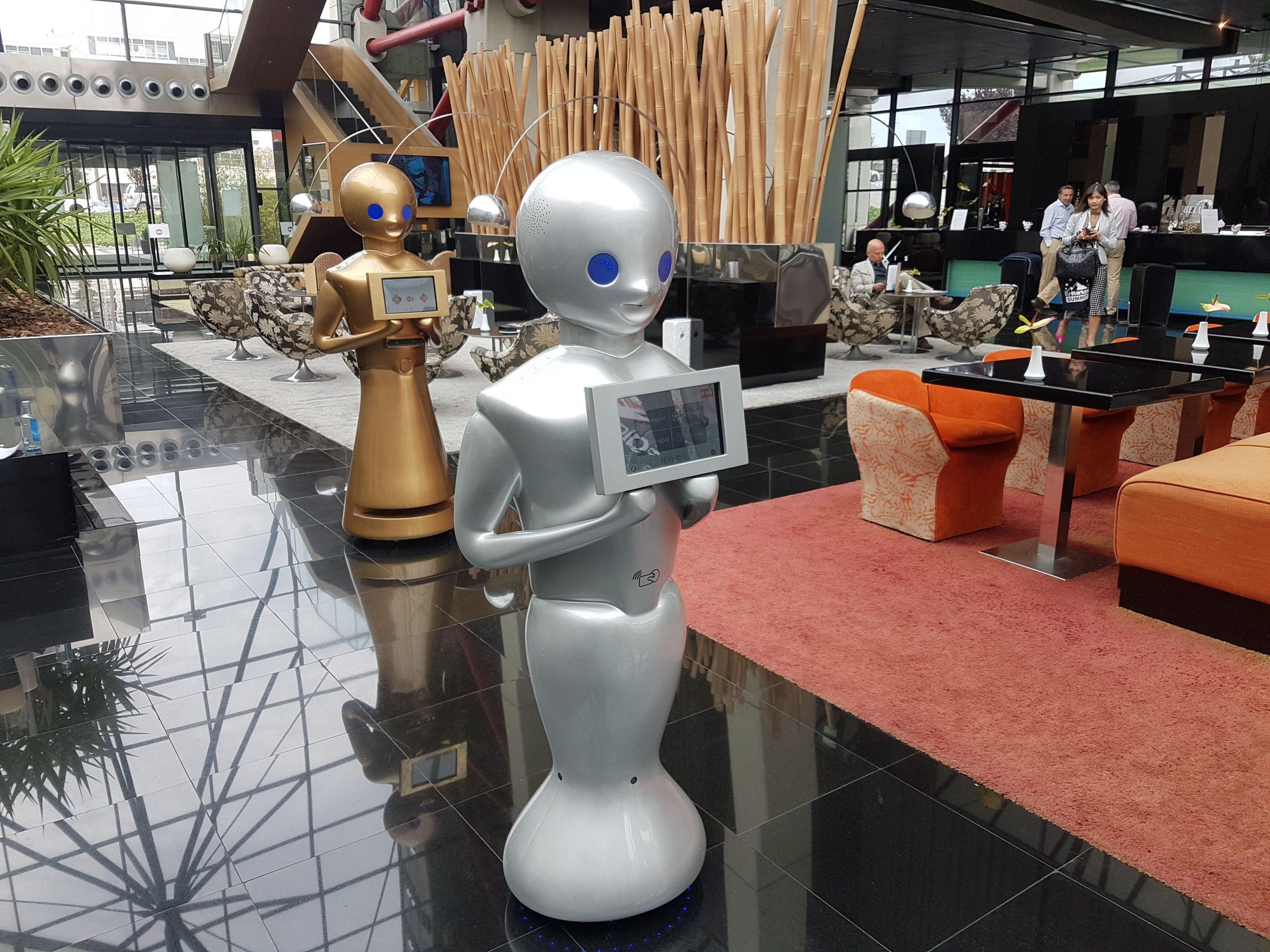 implantación de robótica en procesos operativos de los hoteles