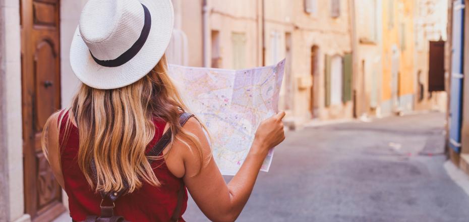 Formarte en turismo es aprender para el futuro - IMF